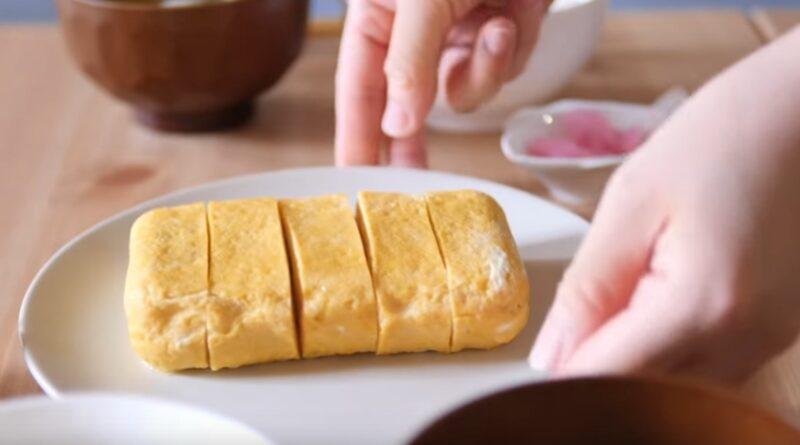 Dashimaki egg (Japanese rolled omelette)
